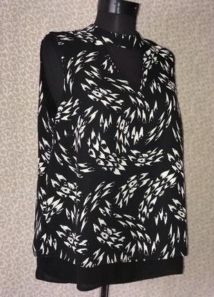 Красивейшая блуза с чокером и красивой спинкой2 фото