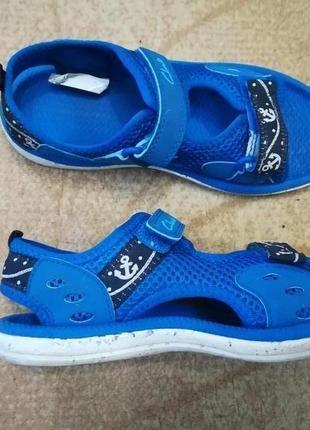 Обувь для бассейна и не только