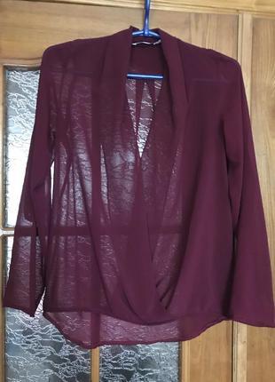 Прозрачная бордовая  лёгкая блуза с рукавом который регулируется