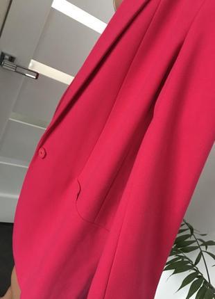 Next   малиновый пиджак6 фото