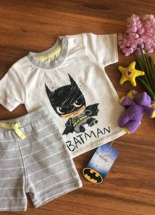 Классный трикотажный костюм batman для малыша george 3 месяца.