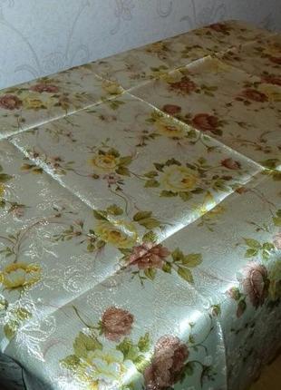 Скатерть розы , тканевая, 120 х 152, святкова скатерть