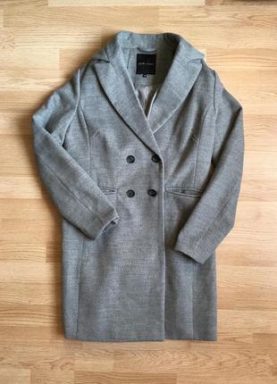 Роскошное весеннее пальто