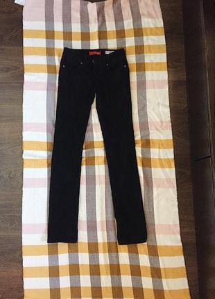 Чёрные джинсы guess
