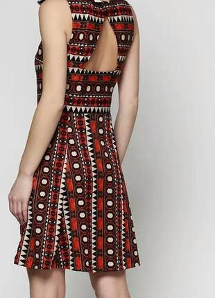 Стильное платье с принтом и полуоткрытой спинкой h&m