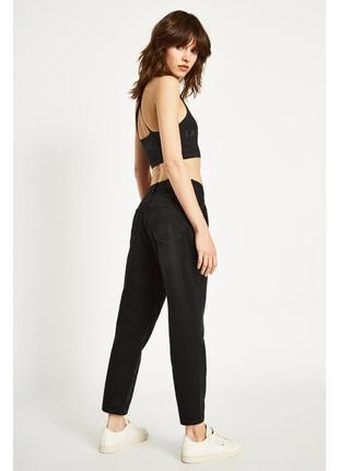 Стильные черные мом джинсы mom jeans