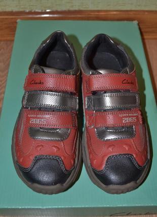 Фирменные кожаные кроссовки-туфли clarks (оригинал).