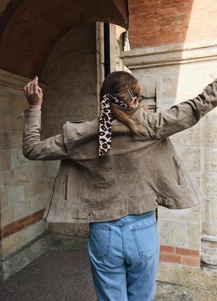Кожаная замшевая нюдовая бежевая косуха куртка