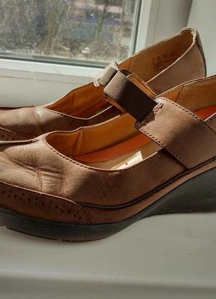 Кожаные туфли clarks unstructured! 39р!