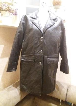 Эффектное пальто, плащ эко кожа италия