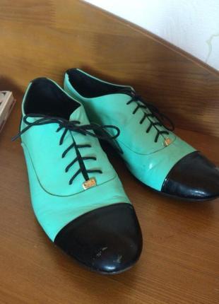 Лакированные кожаные туфли