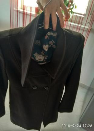 Скидка!!! классное пальто весна,  пальто benettonраз.с-м5 фото