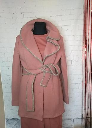 Дизайнерське пальто, 100%шерсть 50р