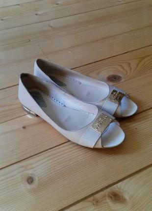 Шкіряні туфлі р.37