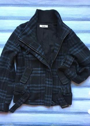 Стильна курточка bershka p.s