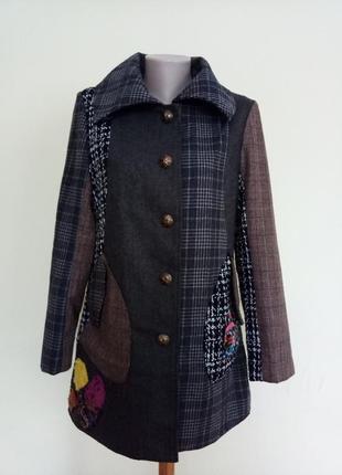 Стильное оригинальное пальто