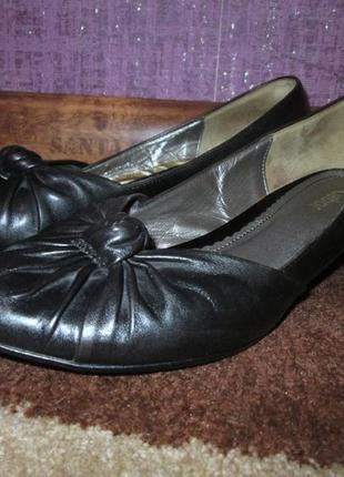 Отличные удобный туфли из кожи фирмы gabor