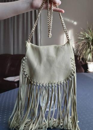 Кожаная лимонная сумка кроссбоди фирмы zara с бахромой в новом состоянии