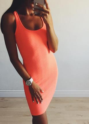 Яркое платье bershka размер xs/s кораллового цвета