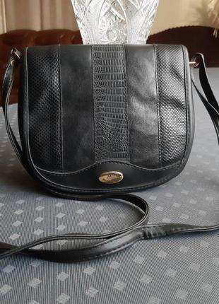 Красивая черная сумка кроссбоди фирмы moda italiana кожа/экокожа в новом сост