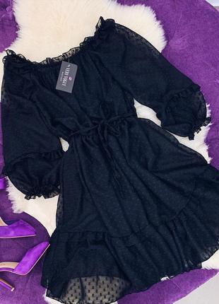 Нежное шифоновое платье черного цвета в крапинку италия