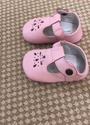 Туфли чопики кожаные john lewis, на 0-3 месяца,новые!