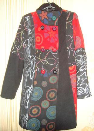 Легкое весеннее пальто в стиле desigual