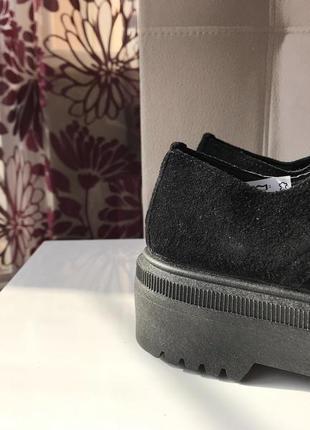 Ботинки на высокой подошве из натуральной замши на шнуровке7 фото