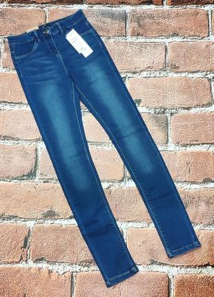 Классные джинсы девочке на рост 152/158