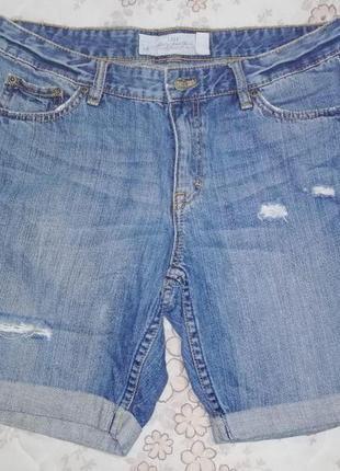 Оригинальные рванные джинсовые шорты  размер 28-xs-42 h&m