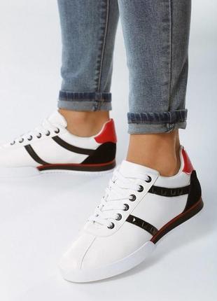 Новые шикарные белые женские кроссовки