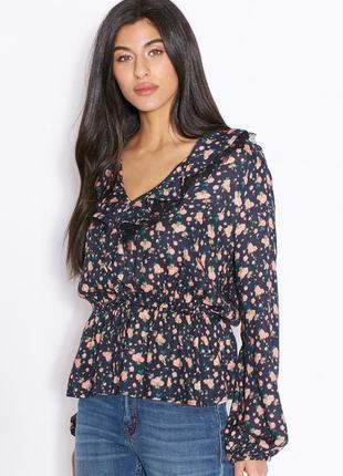 Топ, блузка с цветочным принтом и рюшами