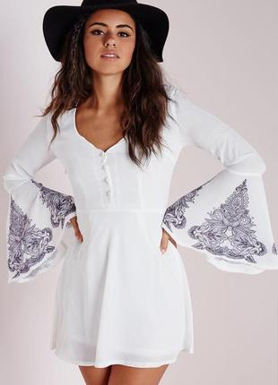 Невероятное платье бохо с рукавами воланами и принтом missguided ms683