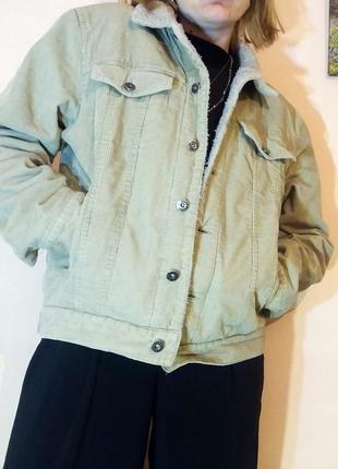 Шерпа куртка джинсовая с мехом беж бежевая вельветовая весна