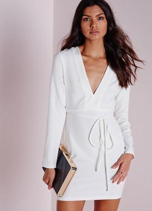Стильное белое платье с поясом missguided ms681