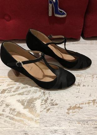 Туфлі із натуральної замші,від san marinа