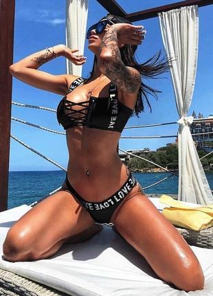 Черный раздельный купальник топ на шнуровке