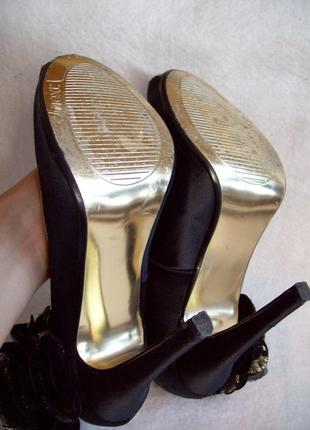 Туфли нарядные с цветком7 фото