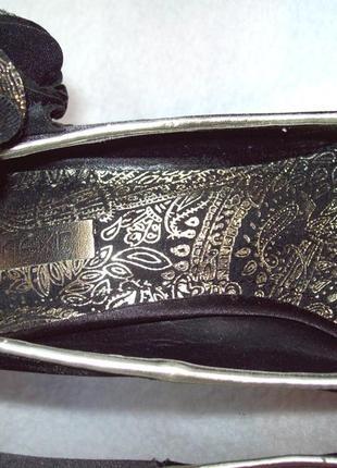 Туфли нарядные с цветком8 фото