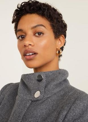Последняя цена!!! актуальное стильное серое шерстяное пальто миди mango4 фото