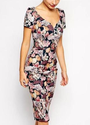 Платье-футляр asos c вырезом сердечком и принтом