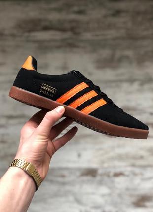 Шикарные мужские кеды adidas gazelle black orange