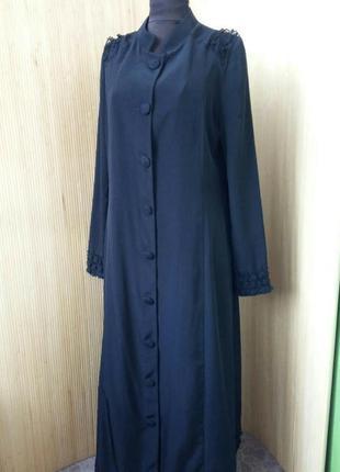 Чёрное дшинное платье халат с кружевом / абая