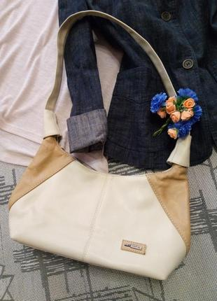 Симпатичная сумочка через плечо