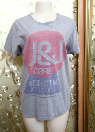Серая хлопковая унисекс футболка от бренда jack & jones