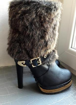 46bcf77335701d Распродажа! кожаные полусапожки, ботинки paris texas на тракторной подошве