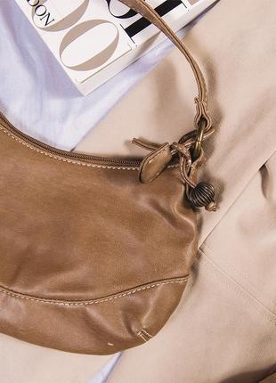 Маленькая сумка коричневая из 2000х, бежевая сумка клатч 2000е2 фото