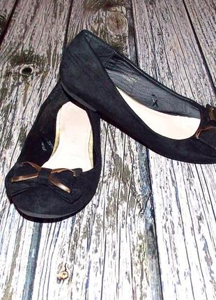 Фирменные туфли-лодочки для девочки . размер 34-35