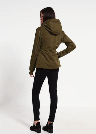 Ветронепродувная куртка британского бренда bench3 фото