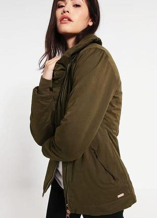 Ветронепродувная куртка британского бренда bench2 фото